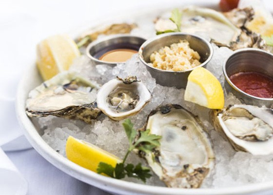 Oysters at 801 Chophouse. | Jennifer Silverberg