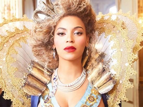 Beyonce - Saturday, December 14 @ Scottrade Center - PRESS PHOTO