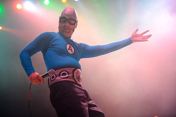 Photos reel big fish and the aquabats at the pageant for Todd s tropical fish