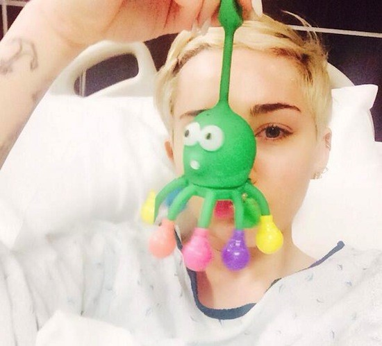 All this illness ever did was wre-e-eck her. - @MILEYCYRUS | TWITTER