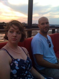 ANNA MOFFATT AND ERIC SARGENT IN TULSA. COURTESY OF THE DIVE POETS.