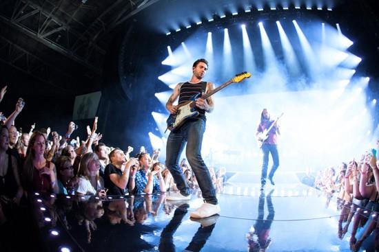 Maroon 5 - KENNY WILLIAMSON