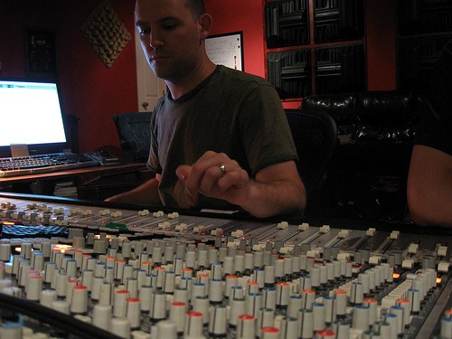 Jason McEntire helping out Magnolia Summer. - CHRIS GRABAU