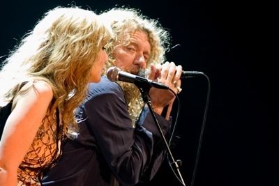 robert_plant_alison_krauss_at_fox_theater_st_louis_9_24_08.2576123.36.jpg