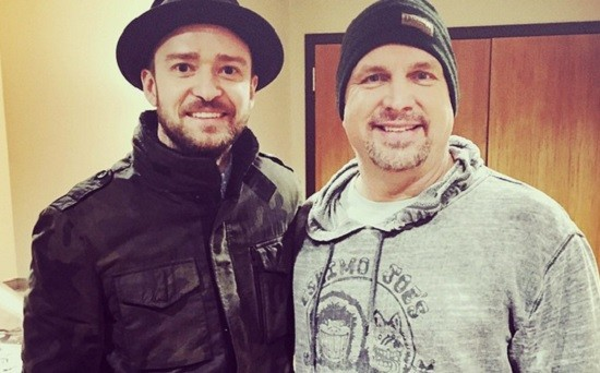 Justin Timberlake and Garth Brooks, you know, just hangin'. - VIA INSTAGRAM