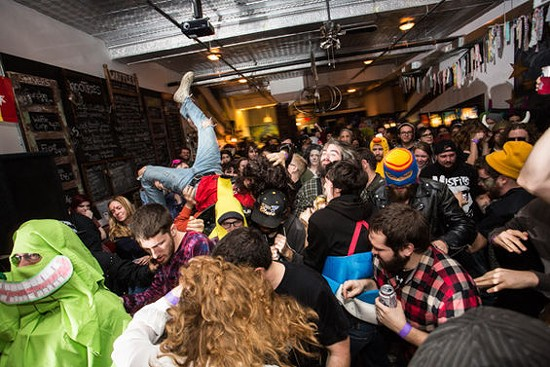 See if you can spot Peat in the pit (hint: I ain't afraid of no ghost!). - THEO WELLING FOR RFT