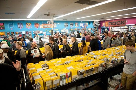 The scene at Vintage Vinyl on Saturday. - ALL PHOTOS BY JON GITCHOFF FOR THE RIVERFRONT TIMES