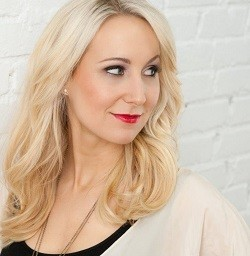 Nikki Glaser - PRESS PHOTO VIA OFFICIAL WEBSITE