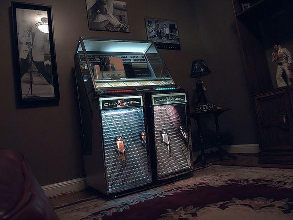 Get out of jukeboxes, you damn Cubs fans! - VIA FLICKR