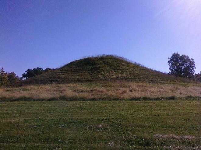 A mound in Cahokia, Illinois. - FLICKR/AARON PLEWKE