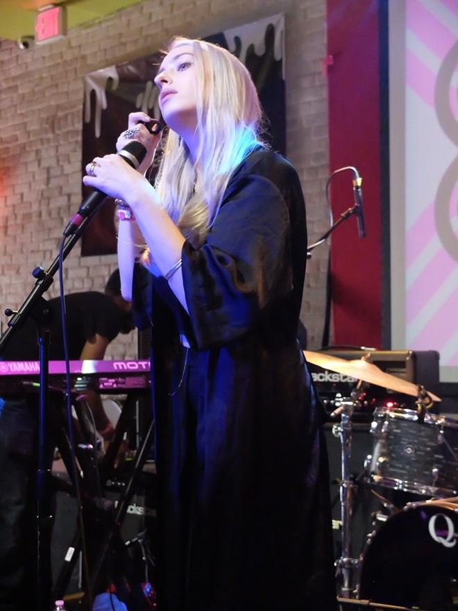Violet Skies at British Music Embassy - DANA PLONKA