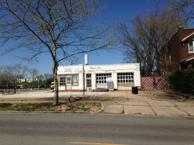 Restaurateur David Bailey has proposed putting a burger restaurant into a former gas station at Klemm and Shaw. - DOYLE MURPHY
