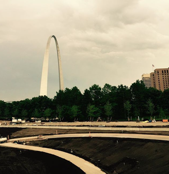 Of course, the Arch couldn't be left out of the fun. - PHOTO COURTESY OF INSTAGRAM / GATEWAYARCHNPS