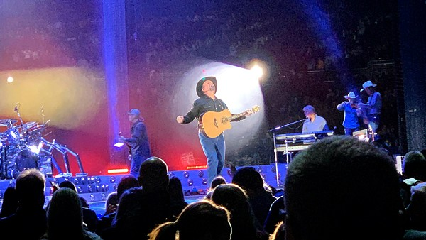 Garth Brooks looking woke AF at The Dome at America's Center - March 9, 2019 - JAIME LEES
