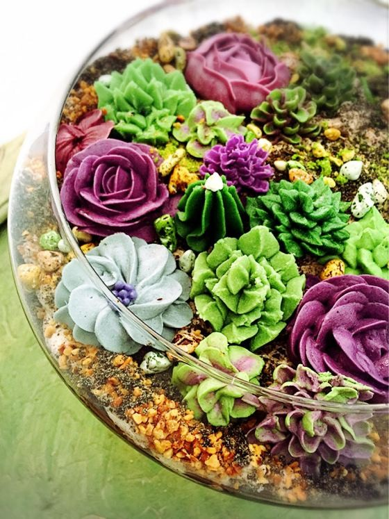 TERRARIUM CAKE FROM LA PATISSERIE CHOUQUETTE | PHOTO COURTESY OF LA PATISERRIE CHOUQUETTE
