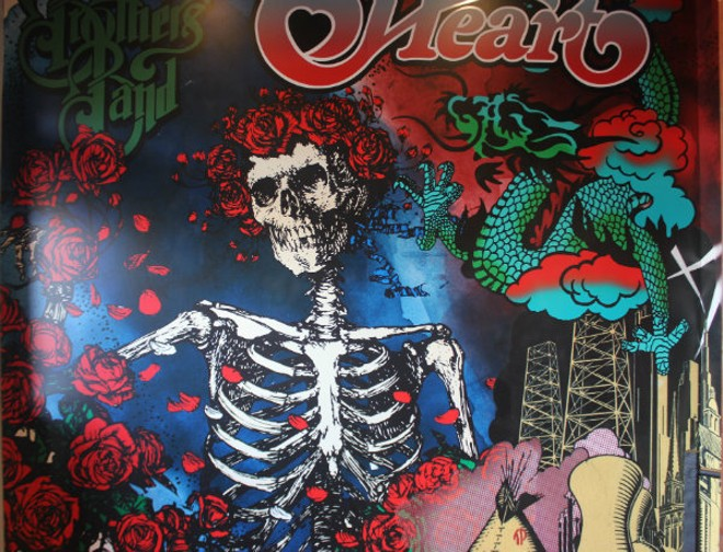 A Grateful Dead mural greets guests at Rock & Brews. - CHERYL BAEHR
