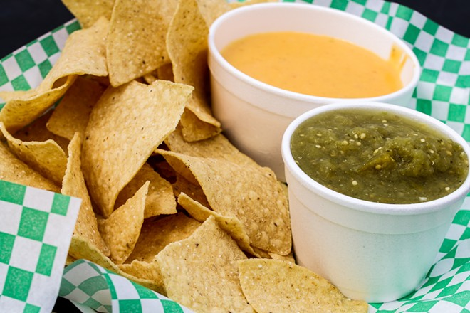 """Nachos with queso and """"Green-Eyed Lady"""" Salsa - CHELSEA NEULING"""