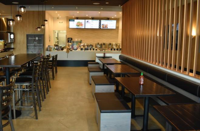 LemonShark offers plenty of seating for the Clayton lunch and dinner crowds. - LIZ MILLER