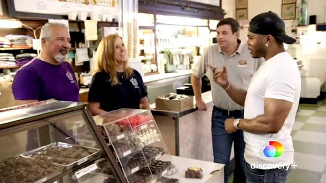 Nelly visiting Crown Candy Kitchen in Restaurant Rescue on Discovery+. - SCREENGRAB VIA @NELLY / FACEBOOK