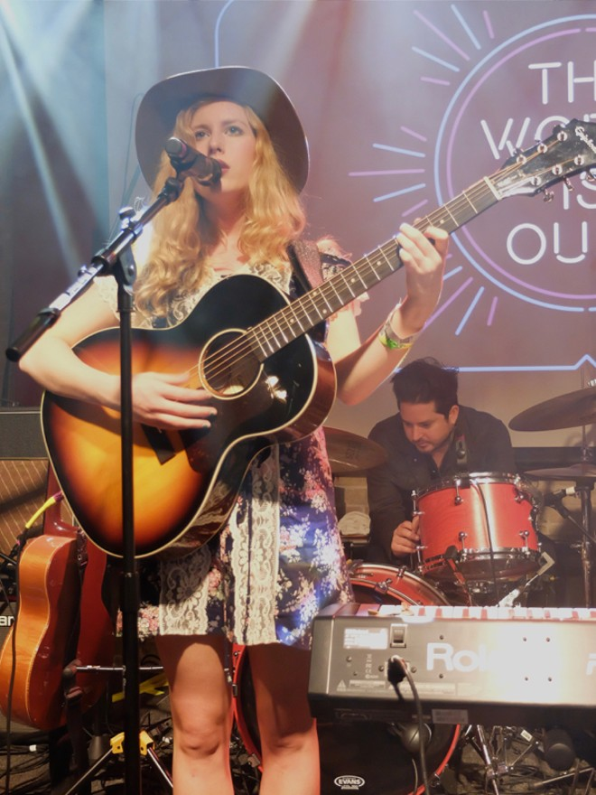 Holly Macve at British Music Embassy - DANA PLONKA