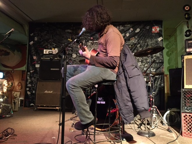 Lou Barlow of Dinosaur Jr plays a solo set - PHOTO BY JAIME LEES