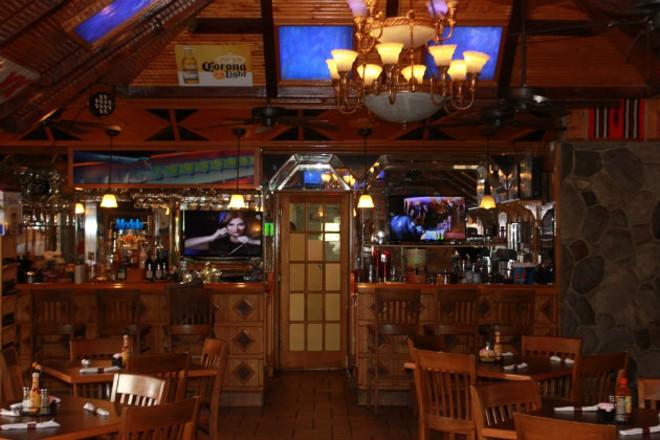 The bar at Salinas 2. - CHERYL BAEHR