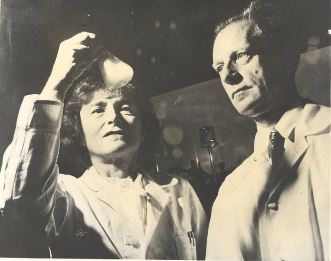 Gerty Cori, left, with husband Carl Cori in their lab in 1947. - COURTESY OF BECKER MEDICAL LIBRARY, WASHINGTON UNIVERSITY SCHOOL OF MEDICINE