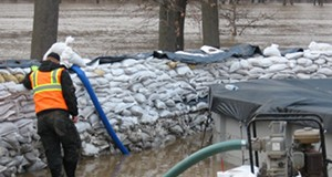 Missouri flood waters cresting on March 22, 2008