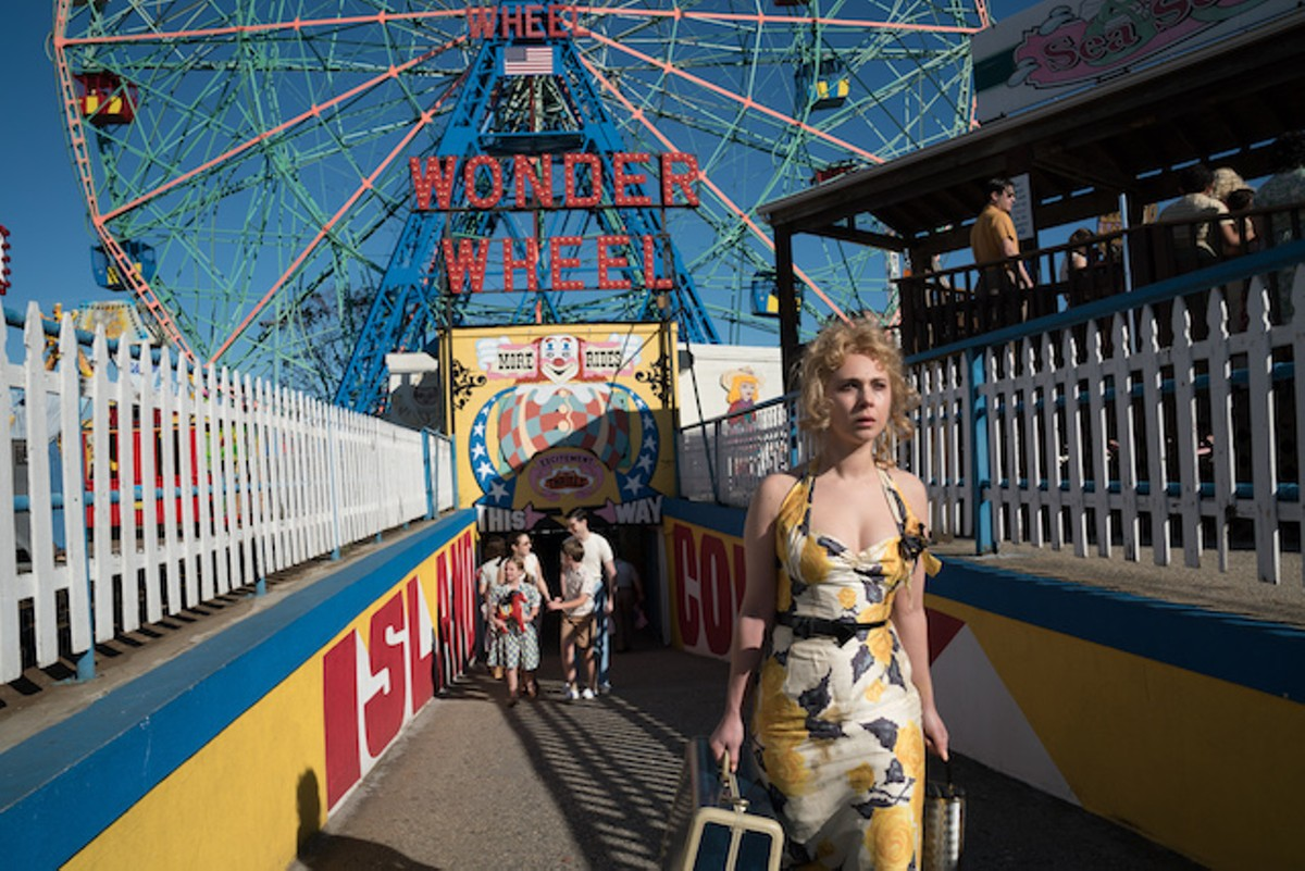 Carolina (Juno Temple) is a young woman on the run from the mob in Wonder Wheel.