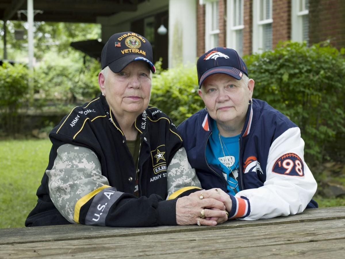 Hank, 76, and Samm, 67. North Little Rock, Arkansas, 2015.