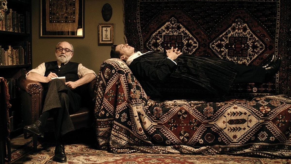 The Count (Tobias Moretti) unburdens himself to Sigmund Freud (Karl Fischer).