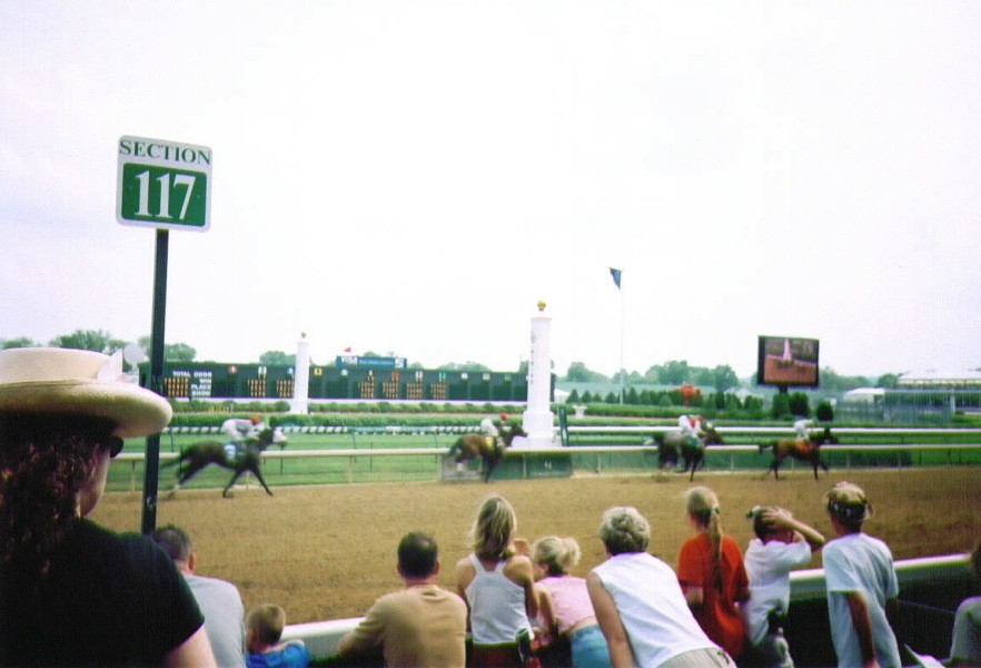 Churchill_Downs_Race.jpg
