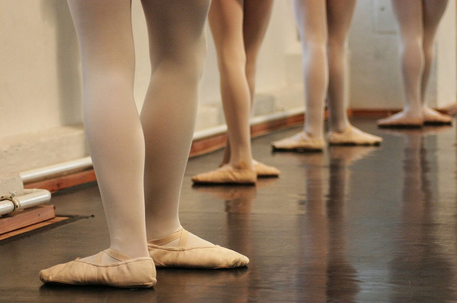 You're invited to experience everything from ballet to belly dancing at the St. Louis Barre Crawl. - PHOTO COURTESY OF FLICKR / KAUIWAUI