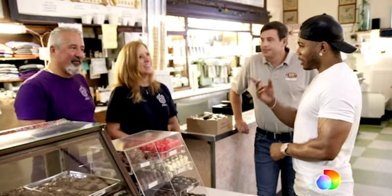 Nelly visiting Crown Candy Kitchen in Restaurant Rescue on Discovery+.