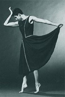 """Ann Berman in """"Chicken Complex ... Complex Chicken,"""" a work of sprightly goofiness in  Wash. U.'s Dance Close-up 2000"""