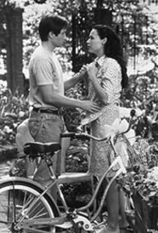 David Duchovny and Minnie Driver in Return to Me, destined for the kind of cult status reserved for One Million Years B.C., Ishtar and the collected works of Ed Wood