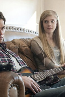 Will Peltz plays Brandon and Elena Kampouris plays Allison Doss in Men, Women & Children.