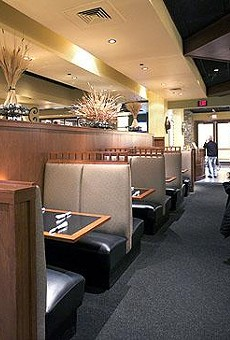 Inside Hanley's Grille & Tap in Des Peres' West County Center