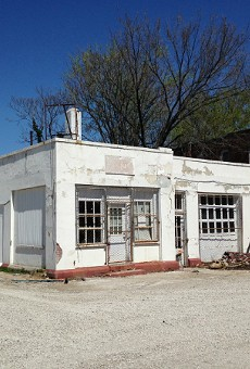 A former gas station at Shaw Boulevard and Klemm Street could become a new burger place.