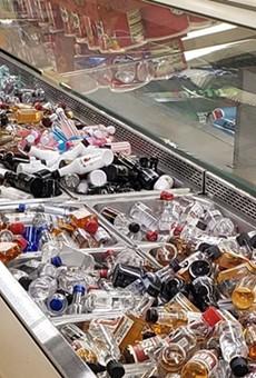 St. Louis Grocery Store Transforms Salad Bar into Mini Booze Bottle Buffet