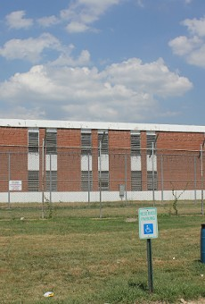 The St. Louis workhouse jail will be getting temporary air conditioners next week, the mayor says.