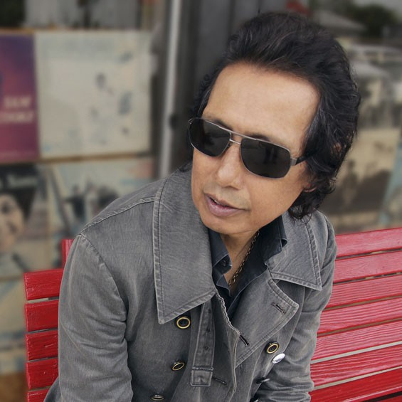 Alejandro Escovedo is going on tour with St. Louis' Jimmy Griffin.