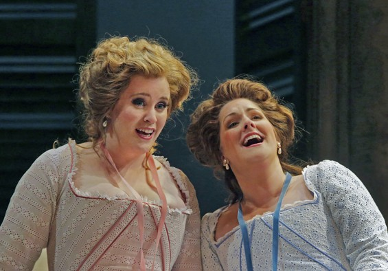 Rachel Willis-Sørensen and Kathryn Leemhuis in Opera Theatre of Saint Louis's 2012 production of Cosìfan tutte.