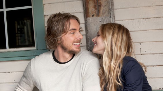 Dax Shepard and Kristen Bell in Hit and Run.