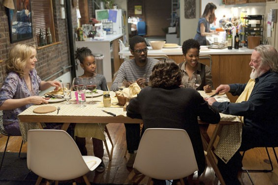 Julie Delpy, Talen Riley, Chris Rock, Malinda Williams, Albert Delpy and Alex Nahon in 2 Days in New York.