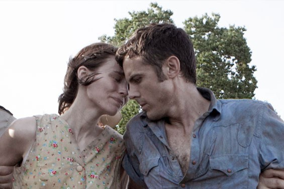 Rooney Mara and Casey Affleck in Ain't Them Bodies Saints.
