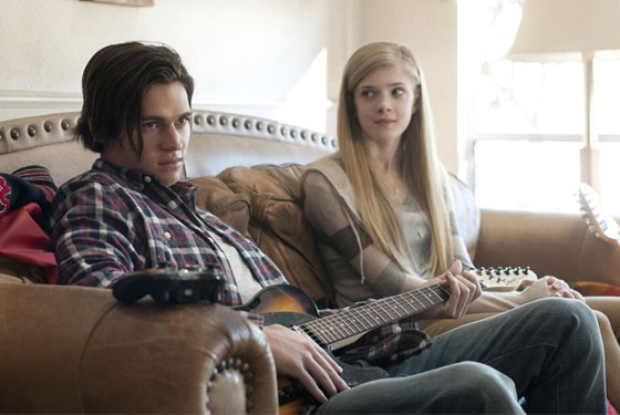 Will Peltz plays Brandon and Elena Kampouris plays Allison Doss in Men, Women & Children.