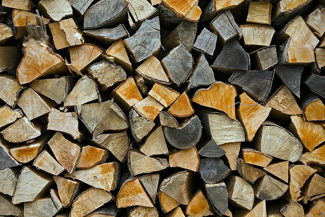Look at all this wood. - HOIRA VARLAN VIA FLICKR