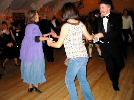 dancing_thumb_510x382.jpg