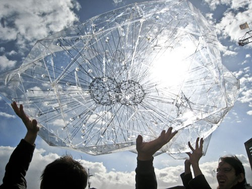 Tomás Saraceno, Hydrogen Cloud Explosion, 2008. - COURTESY OF THE ARTIST AND TANYA BONAKDAR GALLERY